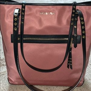 Brand new Michael kors purse!!!